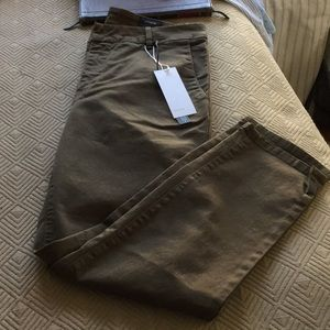 Vince NWT sz 30 chino willow color